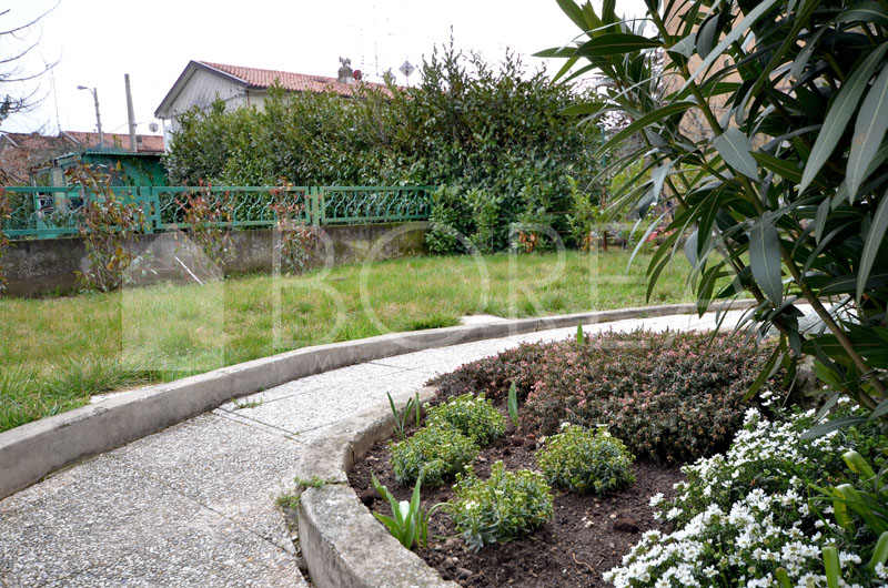 02_Duino_Aurisina_appartamento_giardino esterno2