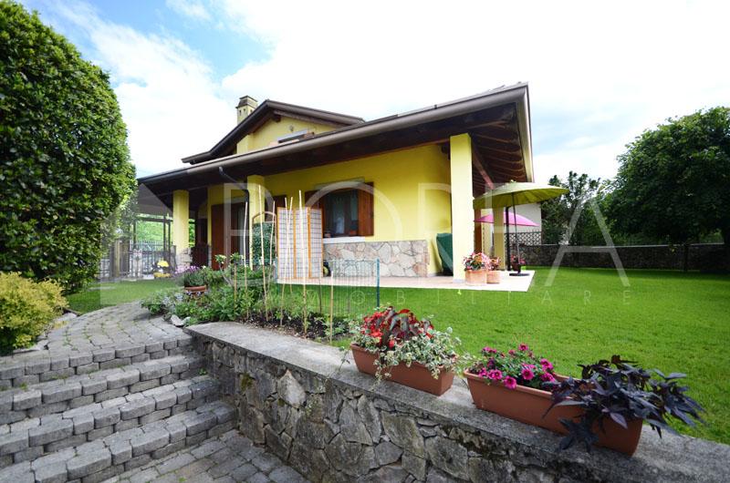 Casa con giardino e depandance borea immobiliare - Casa con giardino pisa ...