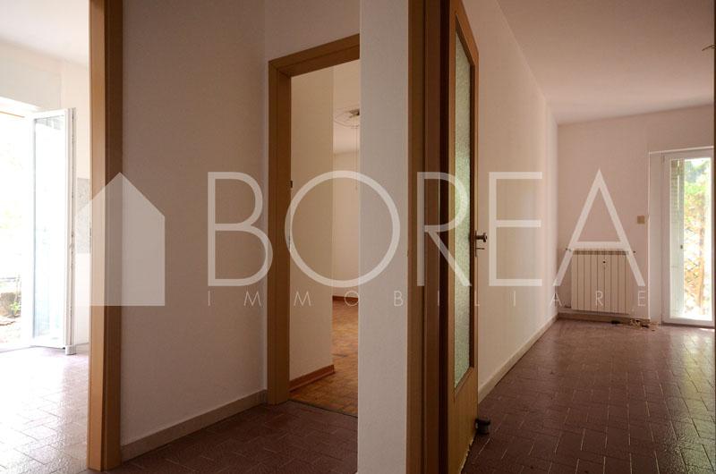 02_Duino_aurisina_appartamento_con_giardino_disimpegno