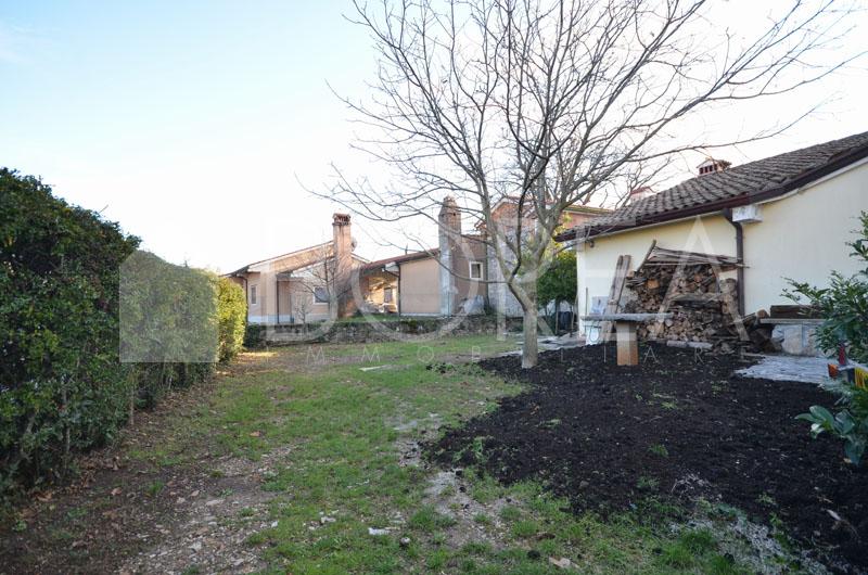 14_Duino Aurisina affitto_giardino