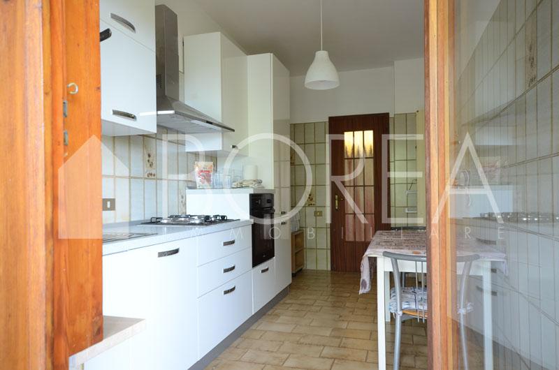 08_Duino_Aurisina_casa_con_giardino_cucina2