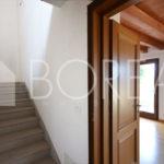 08_casa-con-giardino-vista-mare-vano-scala-Duino-Aurisina