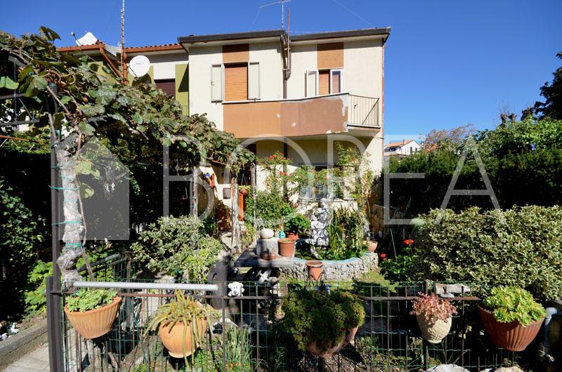13_Duino_Aurisina_cassetta_giardino