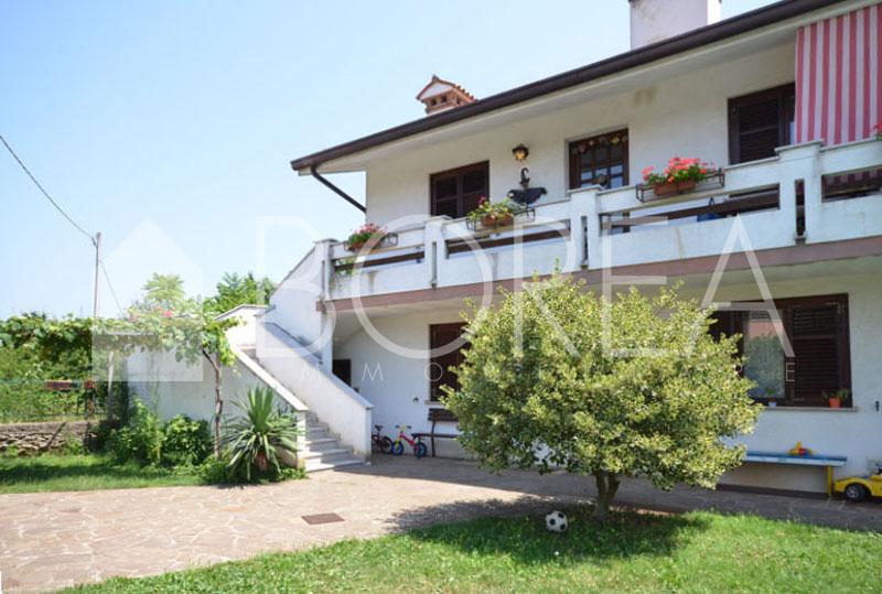 01_Duino-aurisina-casa-due-appartamenti-bifamiliare-facciata