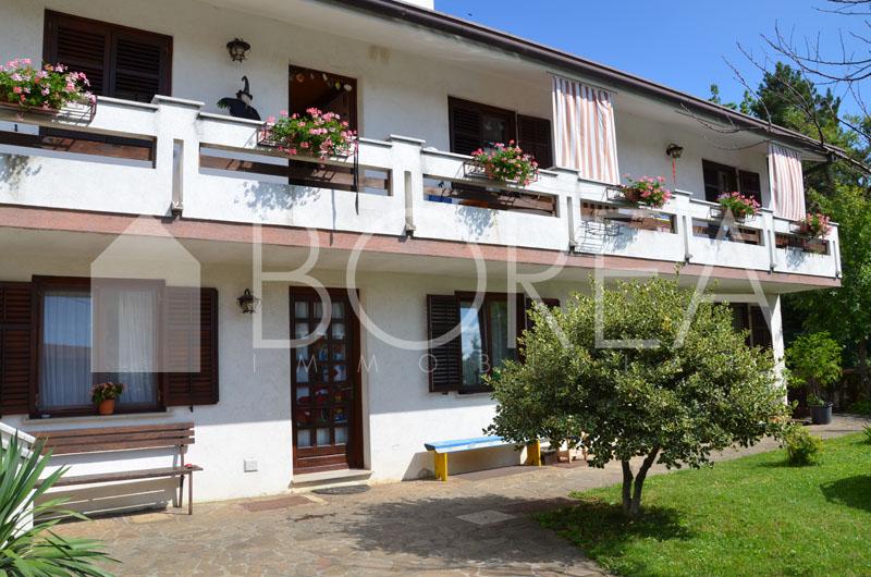 12_casa-due-appartamenti-bifamiliare