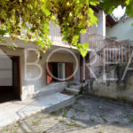 09_Duino Aurisina_casa_carsica_con_corte