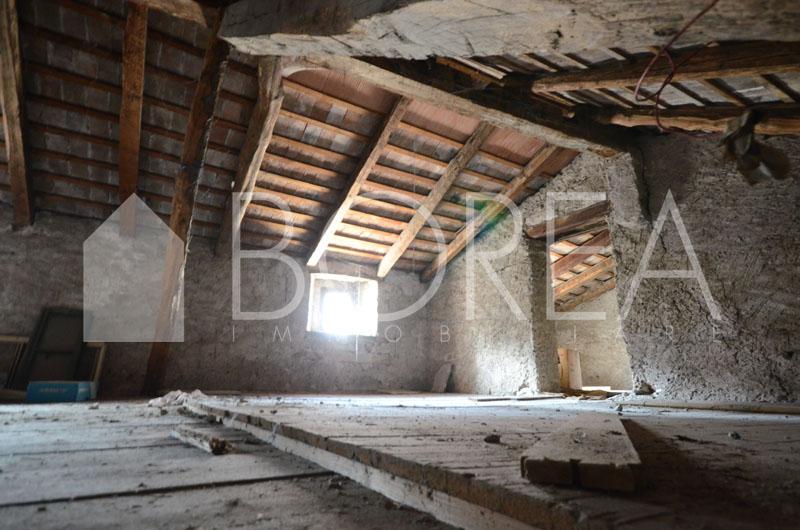 13_Duino Aurisina_casa_carsica_con_corte
