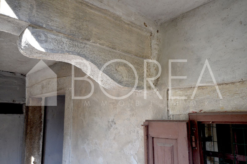 14_Duino Aurisina_casa_carsica_con_corte