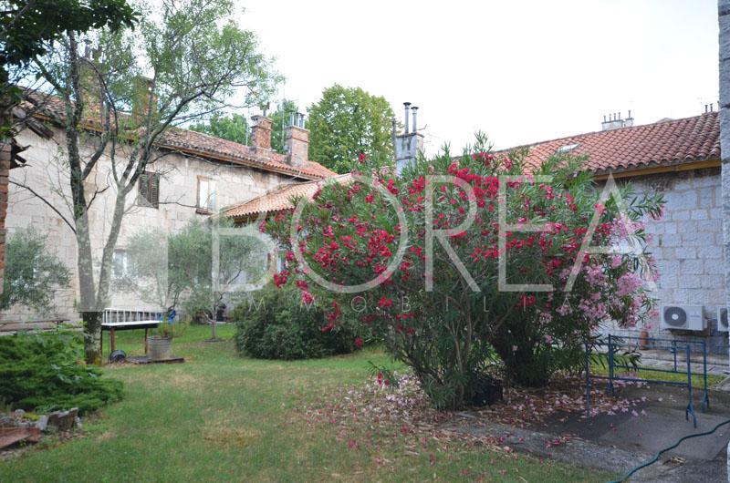 02_appartamento_vendita-Duino-Aurisina-con-soffitta-cantina-giardino-condominiale