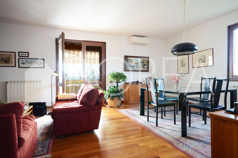 04_Duino-aurisina_casa_con_giardino-soggiorno2