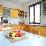07_Duino-aurisina_casa_con_giardino-cucina2