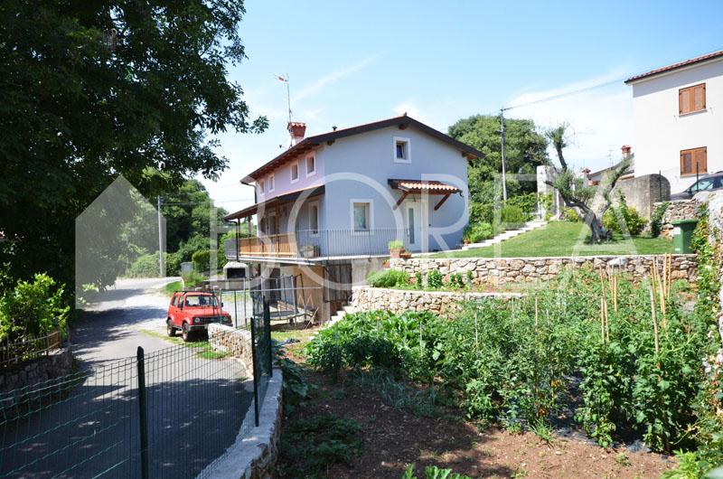 26_vendita-casa-carso-nel-verde-con-giardino-orto-box-auto