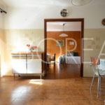 06_casa_carsica-in-pietra-con-corte-vista-mare