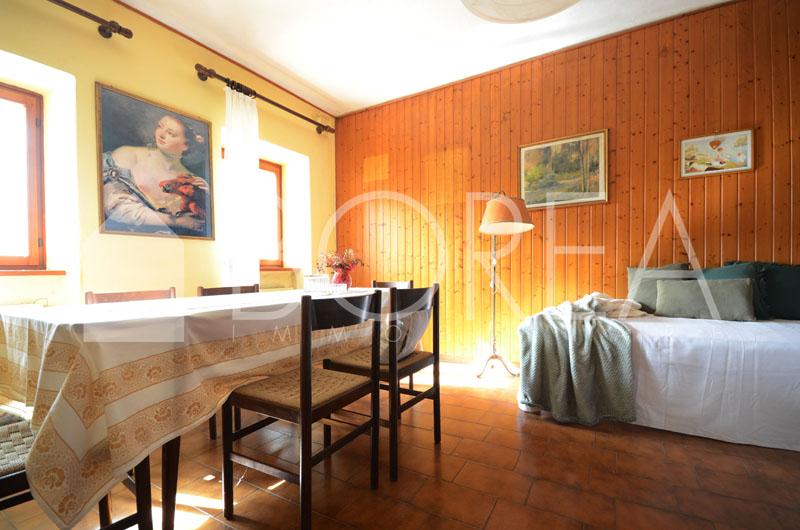 07_casa_carsica-in-pietra-con-corte-vista-mare
