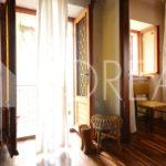 10_casa_carsica-in-pietra-con-corte-vista-mare