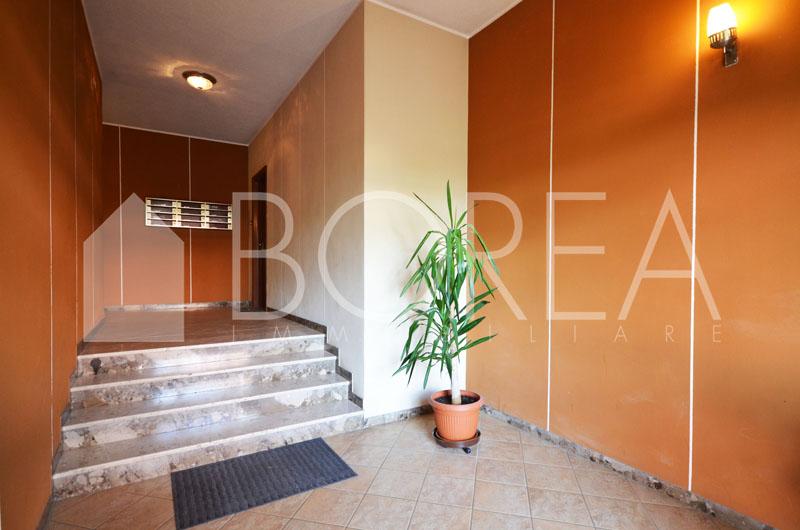 11_Duino_aurisina_appartamento_con_giardino_atrio_condominio