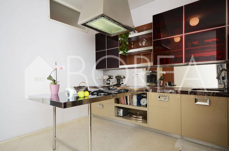 09_Trieste_attico_pregio_terrazza_vista_mare_cucina_1