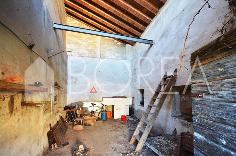 19_duino-aurisina-casa-carsica-in-vendita-con-giardino