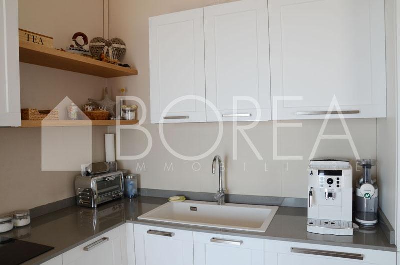07_cucina_appartamento-vista-mare-terrazza-costiera-trieste