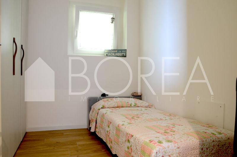 10_stanza singola_appartamento-vista-mare-terrazza-costiera-trieste