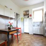 06_Duino_Aurisina_casa_con_giardino_cucina