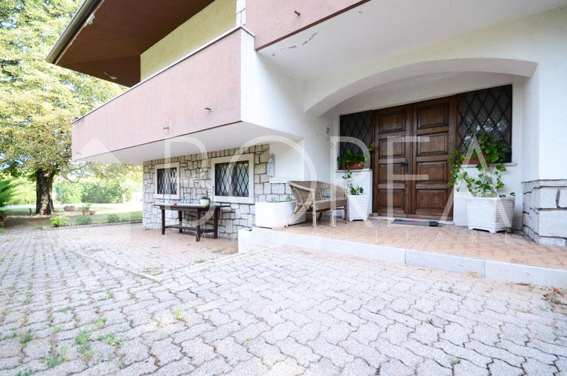 03_Duino_Aurisina_casa_con_giardino_esterno