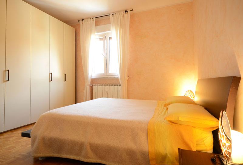 11_stanza matrimoniale-Sistiana-appartameto-con-terrazza-vista-mare