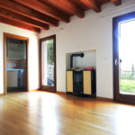 02_casa-con-giardino-vista-mare-soggiorno-Duino-Aurisina
