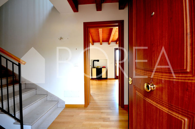 03_casa-con-giardino-vista-mare-atrio-Duino-Aurisina