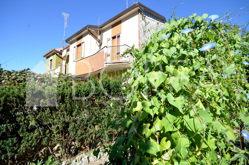 01_Duino_Aurisina_cassetta_giardino